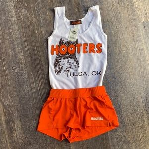 Hooters girl uniform Halloween costume